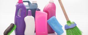 お風呂のカラリ床掃除 水垢や黒ずみは中性洗剤で撃退!やり方を伝授