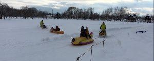 冬はサッポロさとらんどで雪遊び!のりのりチューブやバナナボートは迫力満点!