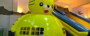 小樽の室内遊び場「イカロスの城」でバンジートランポリン初挑戦!