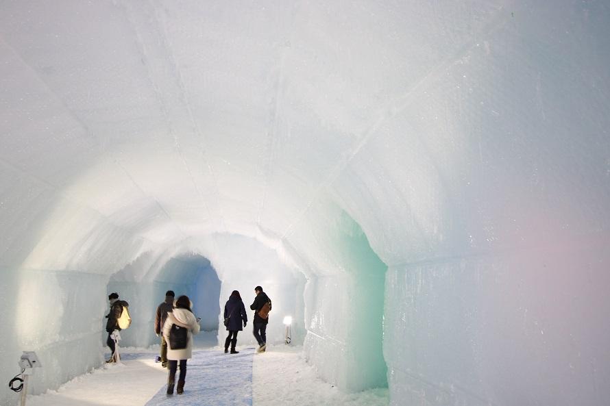 氷濤まつりエントランストンネル