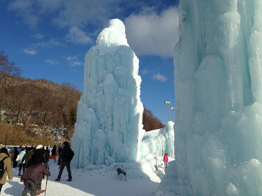 氷濤まつり 昼のブルータワー