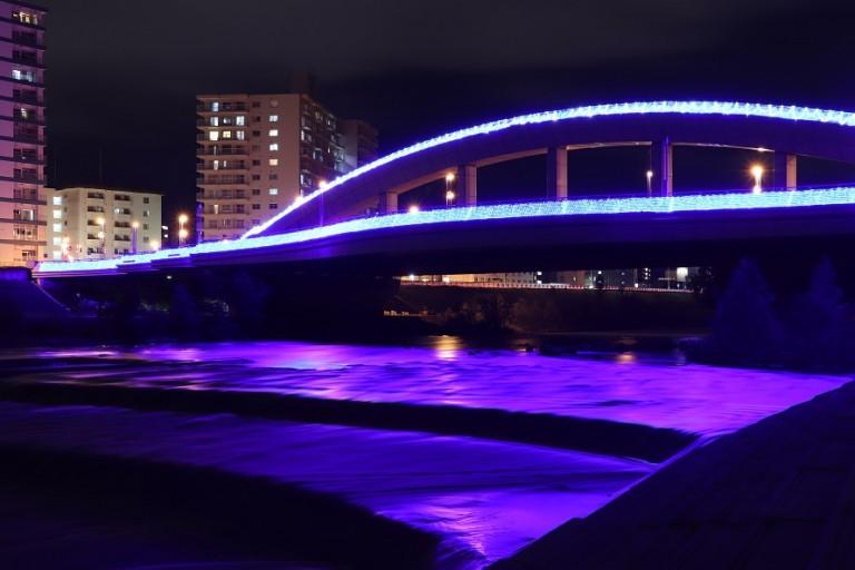 札幌川見 幌平橋サマーイルミネーション!ライトアップされた幻想的な豊平川を見に行こう!
