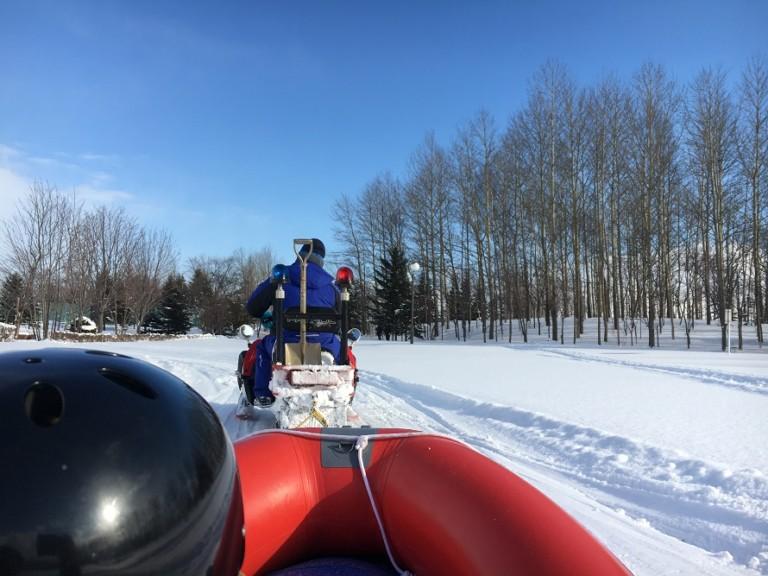 川下公園ウィンターフェスティバルは雪上ラフティングボートが大迫力!